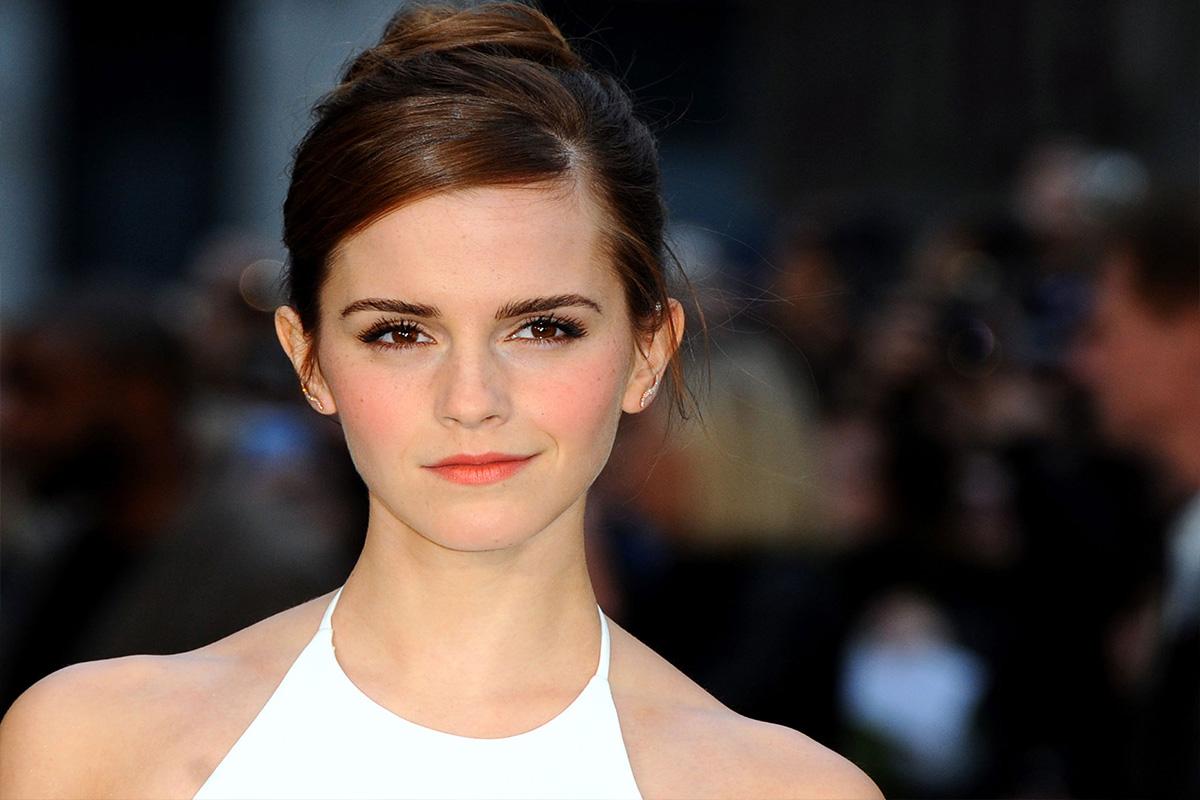 Emma Watson pide a sitio web que sus fotos sin sostén sean