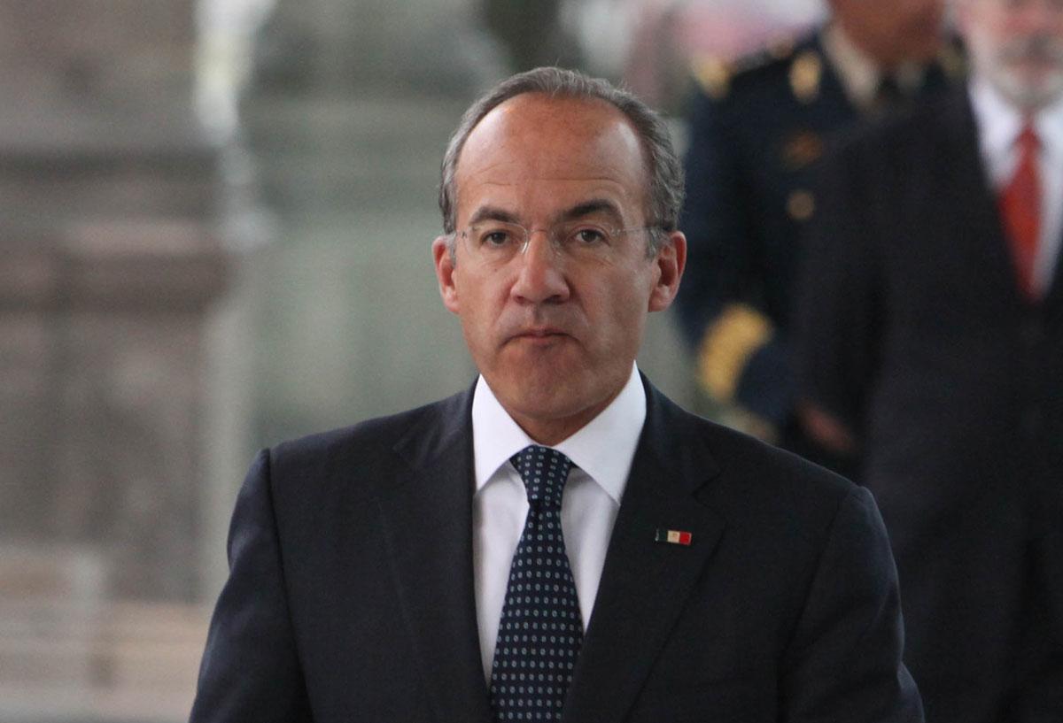 Dona Felipe Calderón pensión de ex presidente a niños ... Felipe